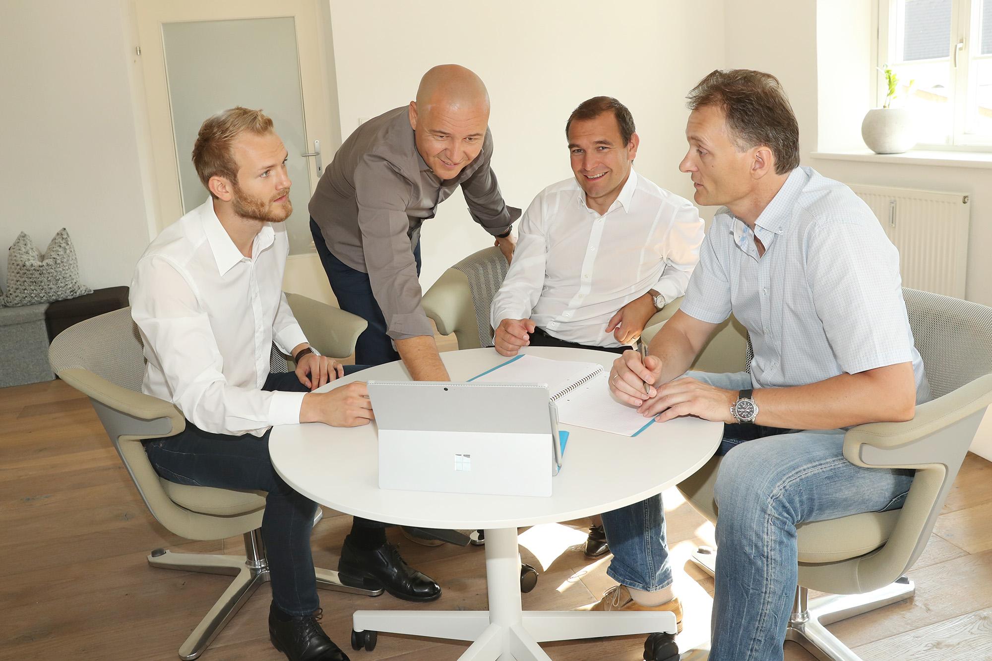 Kommunikation, Verkauf, verkaufen, verhandeln, Seminar, Team, Führung, Management, Ziel, IAK