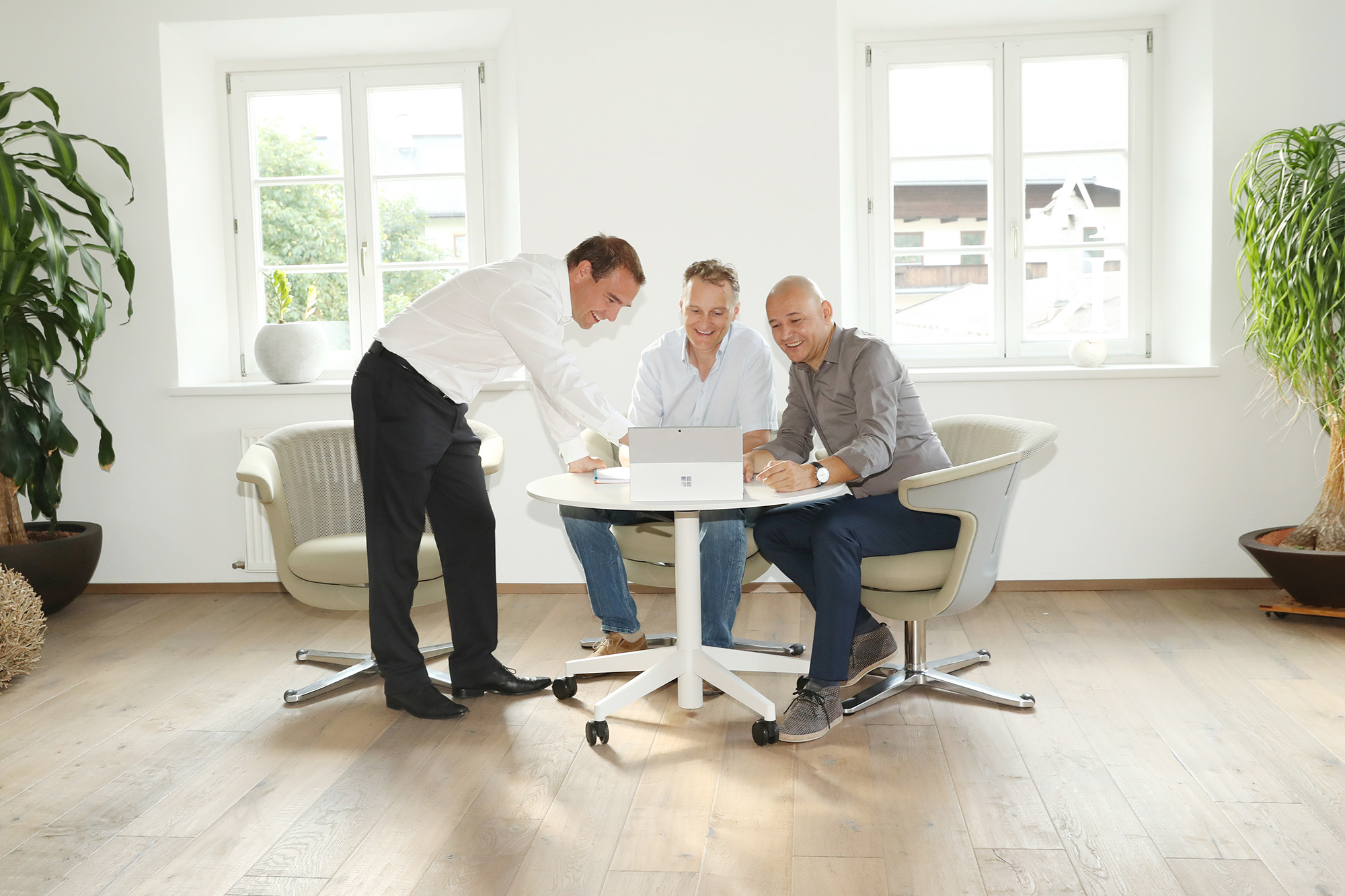 Besprechnung, Verkauf, Chefgespräch, Entscheider, Leadership, Führung, ManagementMeeting, Erfolg, Kommunikation, Vertrieb, Verkauf